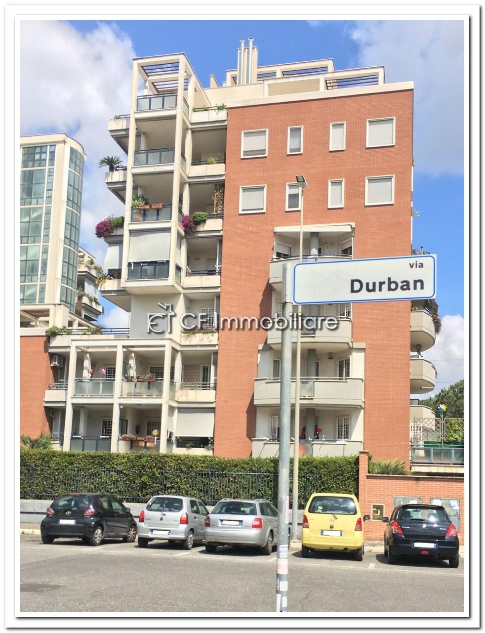 Roma via Durban elegante appartamento con terrazza panoramica – CF ...