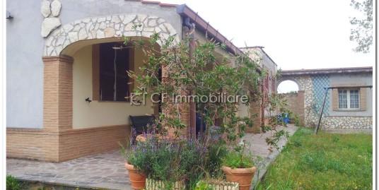 Villa unifamiliare con dependance residenziale