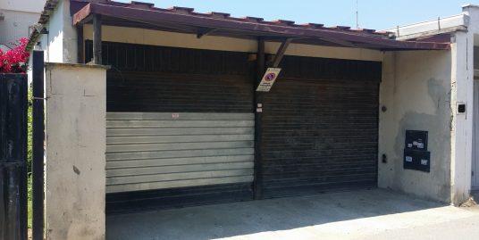 Fiumicino Box/garage doppio su strada adiacente Darsena Turistica e al mare.
