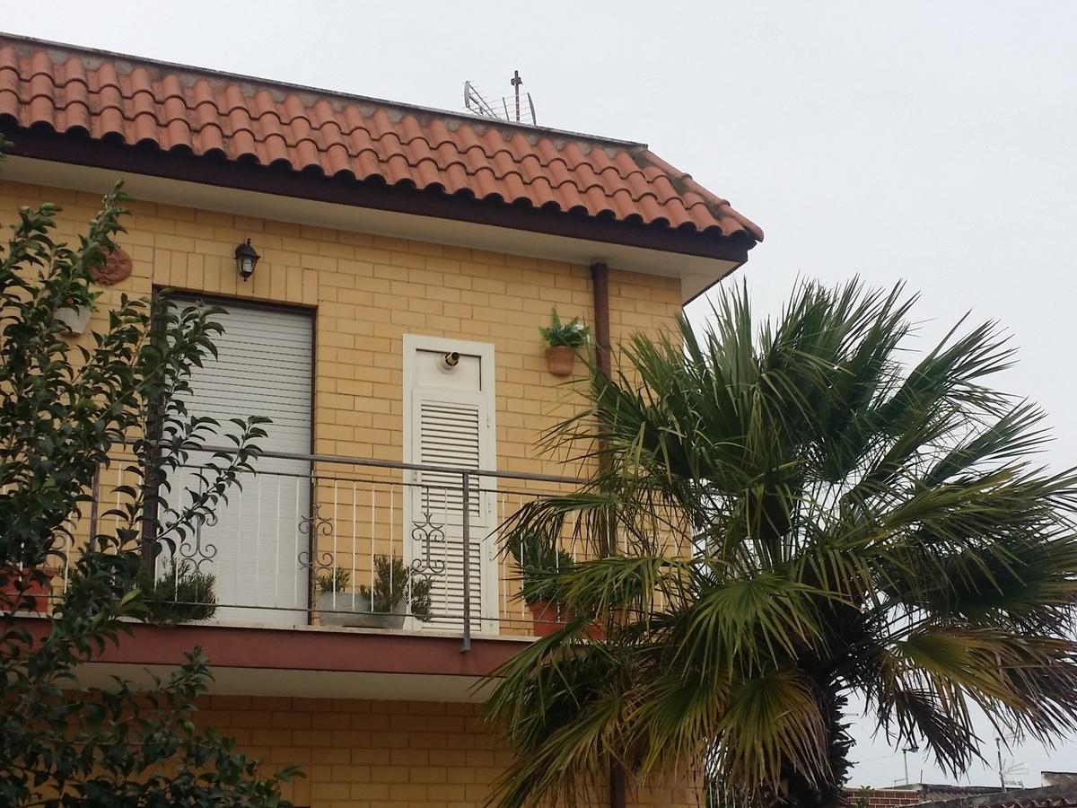 Fiumicino paese ampio e luminoso appartamento con terrazza ideale per ditte