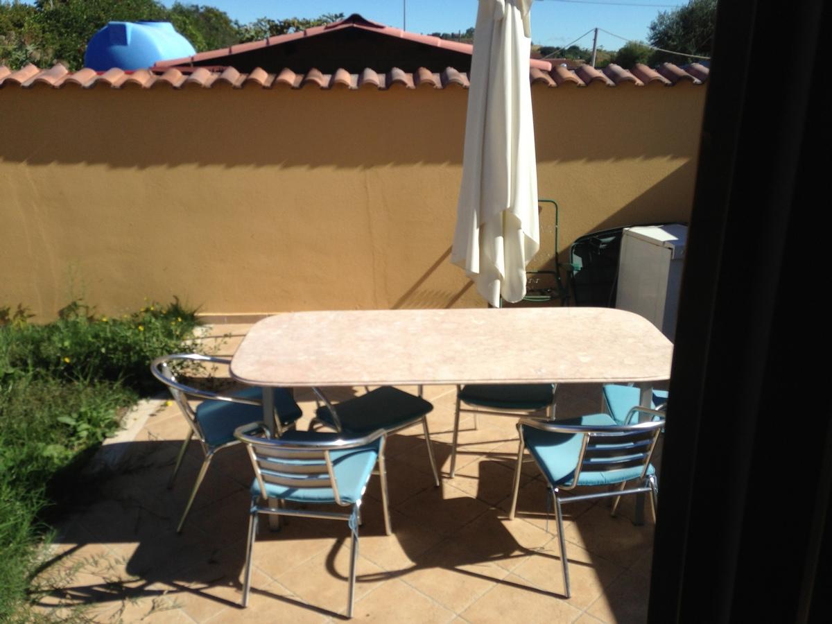 Piana del Sole, splendida villetta angolare su 2 piani, giardino esclusivo