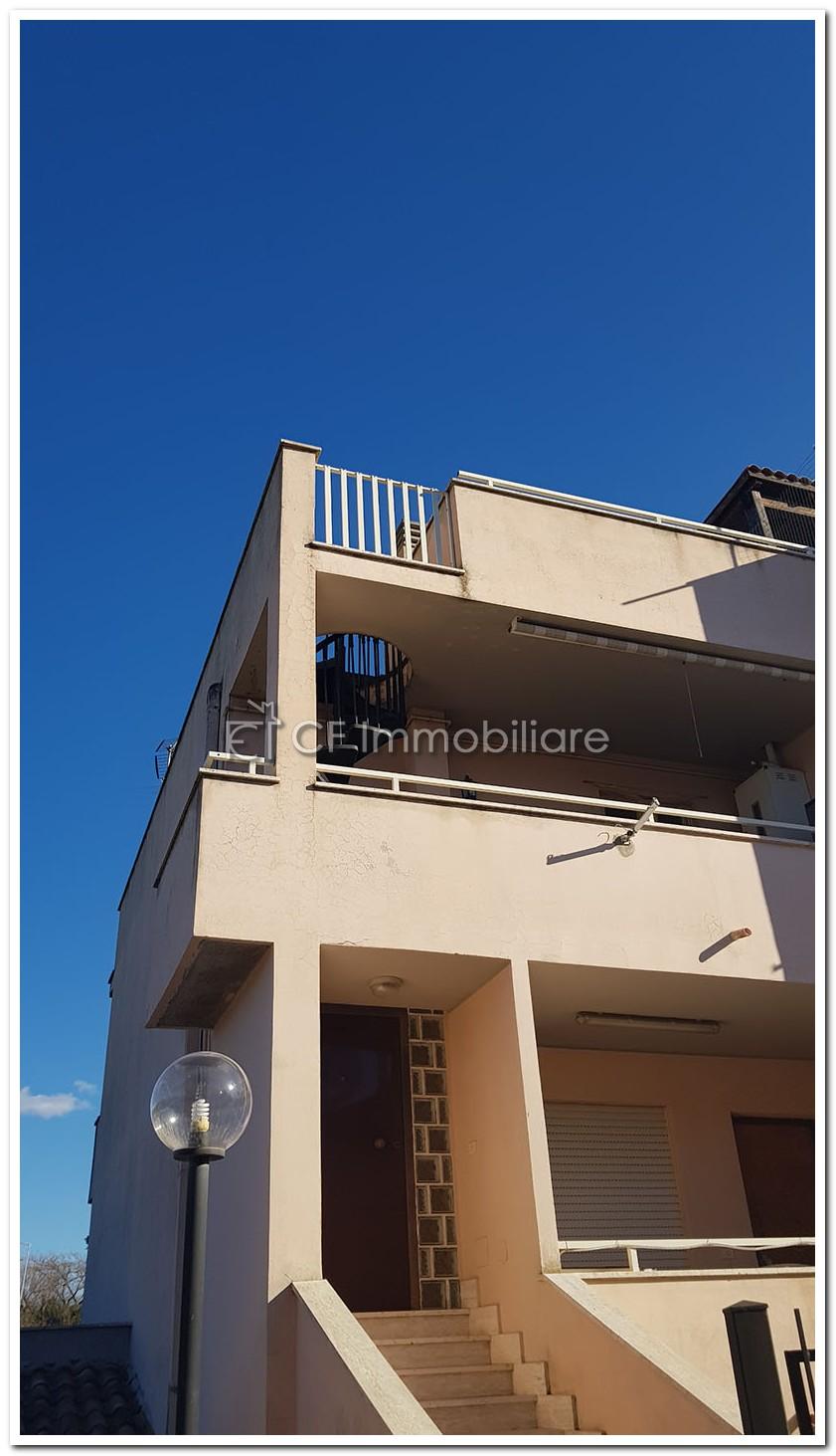 Santa Marinella Bilocale indipendente con ampia terrazza esclusiva