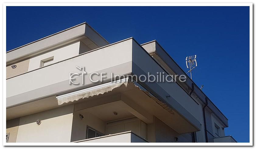 Fiumicino attico bilocale con terrazza