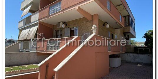 Villino in quadrifamiliare due livelli fuori terra con garage e terrazza panoramica vista mare